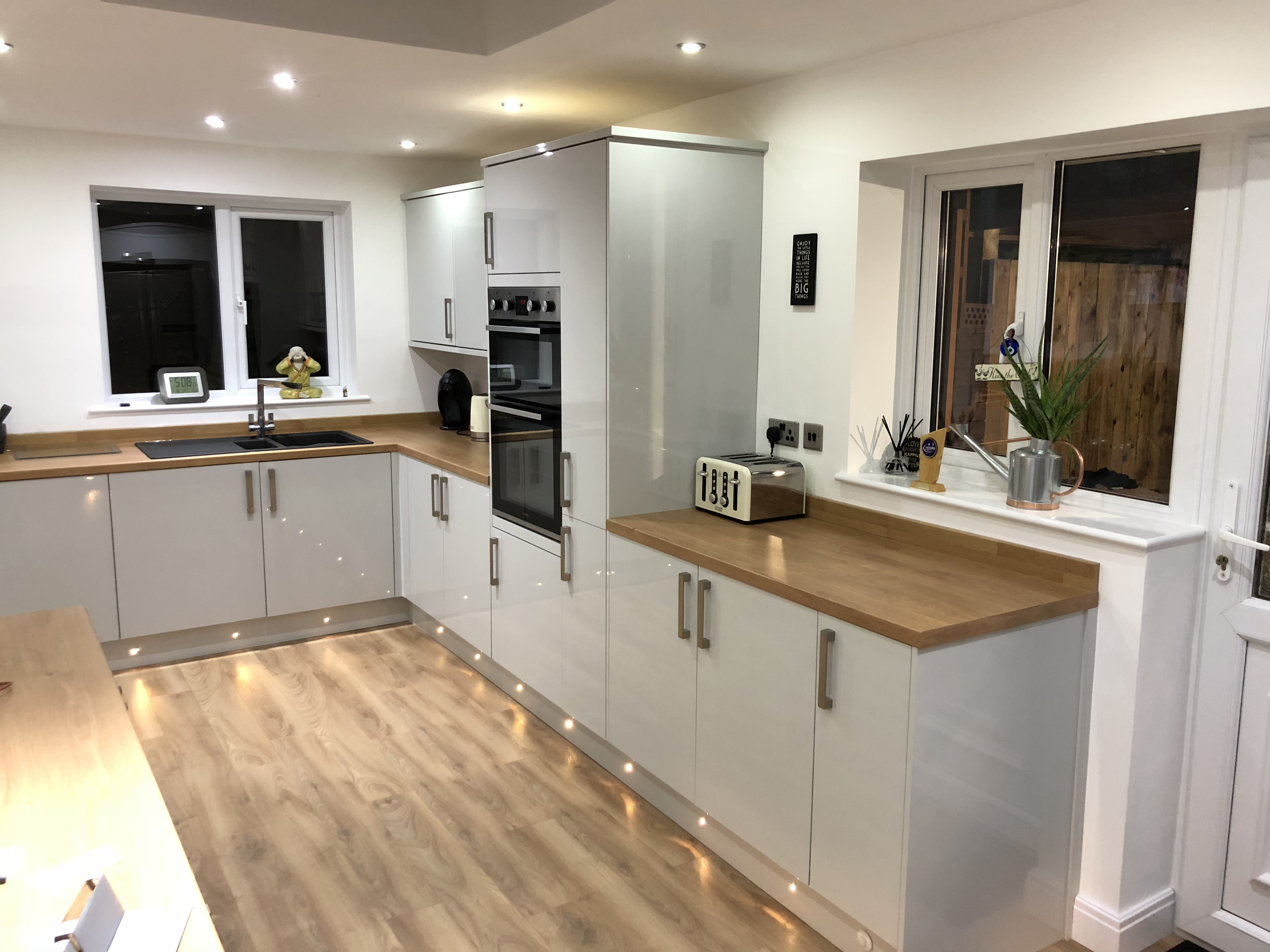 Howdens Kitchen Fitters Service In Wigan